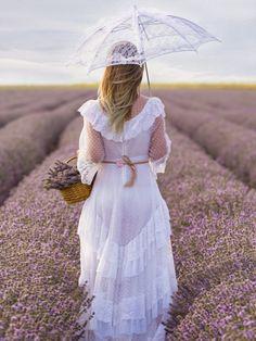 o plimbare cu aroma de lavanda. a lavender-flavored walk. Victorian, Flowers, Dresses, Fashion, Lavender, Moda, Vestidos, Fashion Styles, Florals