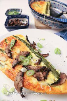 Romige kaasflan met asperges | Koolhydraatarm Recept .nl Flan, Low Carb, Chicken, Cooking, Asparagus, Pudding, Low Carb Recipes, Cucina, Creme Caramel