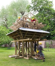 Kingston University students erect a Japanese pavilion in the garden of a museum.