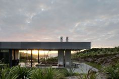 Image 1 of 16 from gallery of Island Retreat / Fearon Hay Architects. Photograph by Patrick Reynolds