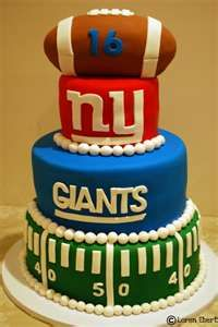 football cake my fiance loves the giants this is a great idea for his grooms cake