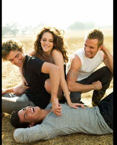 I love this picture- Robert Pattinson, Kristen Stewart, Taylor Lautner and Cam Gigandet