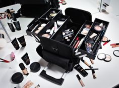 How many looks could YOU come up with using all these pro kit products? sbx.cm/1pDIpMB