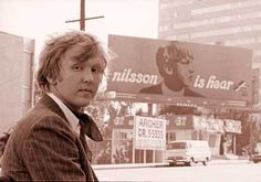 This is Harry Nilsson.  Genius.  A vocal range like nothing you've ever heard.  Gone too soon.