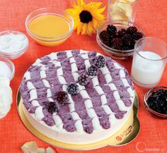 Semifreddo alla crema di yogurt con more semicandite