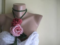 Crocheted,pink tones flowers.lariat from Svetoks waits to you to flower garden by DaWanda.com