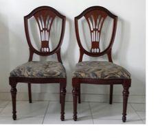 """Hepplewhite - Duas cadeiras em madeira nobre,  """" mogno"""" no clássico estilo  inglês"""