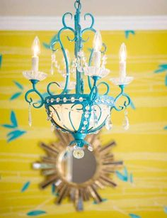 Diggin the yellow wallpaper & teal chandelier! Turquoise Cottage, House Of Turquoise, Turquoise Chandelier, Painted Chandelier, Vintage Chandelier, Key West Style, Yellow Walls, Mellow Yellow, Blue Yellow