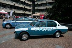 Alfa Romeo Alfetta & 159 Polizia Police Vehicles, Police Cars, Alfa Romeo, Military Police, Law Enforcement, Division, Ferrari, Classic Cars, Cars