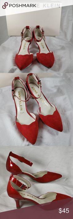 e14590227770 Anne Klein Pointed Toe Kitten Heels Findaway NWB Gorgeous unworn condition.  Heel is 2 1