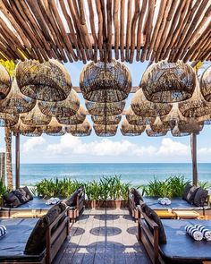 beach restaurant It has become clear that Bali has the the most beautiful interiors when it comes to Beach Clubs. Beach Lounge, Beach Cafe, Restaurant Interior Design, Cafe Interior, Beach Restaurant Design, Tulum, Cafe Design, House Design, Garden Design