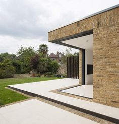 http://www.dezeen.com/2014/08/24/malbrook-road-extension-tigg-coll-architects-london/