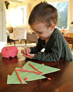 A cute Christmas tree playdough activity!