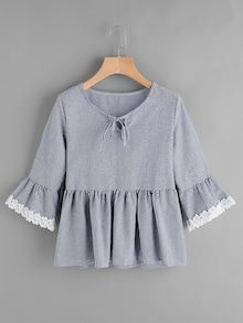 SheIn offers Gingham Bell Sleeve Lace Trim Smock Top & more to fit your fashionable needs. Frock Design, Blouse Styles, Blouse Designs, Pretty Outfits, Cute Outfits, Hijab Fashion, Fashion Outfits, Hijab Stile, Smocks
