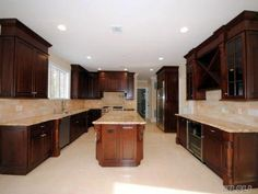 Single Family For Sale With 6 Bedrooms, 4 Full Bath, 1 Half Bath, Sq. Ft. 4300 SqFt, Nassau, Roslyn Heights