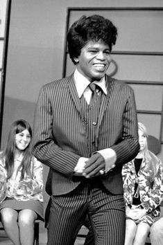 A young James Brown. James Brown, Music Icon, Soul Music, Indie Music, Music Music, Afro, Rock & Pop, Old School Music, Soul Singers