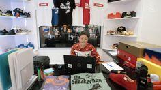 Deze zestienjarige jongen verkoopt sneakers aan Chris Brown en DJ Khaled en is miljonair! Hoe hij dat doet? Lees maar!