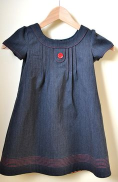 Oliver + s Family Reunion Dress with single button on tab (love the denim and the red topstitching) Fashion Mode, Kids Fashion, Little Girl Dresses, Girls Dresses, Reunion Dress, Vestidos Vintage, Baby Kind, Sewing For Kids, Kind Mode
