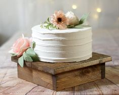 Bridal Shower Table Decorations, Bridal Shower Tables, Decoration Table, Small Wedding Cakes, Wedding Cakes With Flowers, Wedding Cake Simple, Rustic Cake Stands, Wedding Cake Stands, Wood Cake