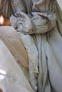 linen -  Such a pretty sleeve detail