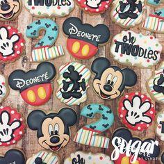 Theme Mickey, Mickey 1st Birthdays, Mickey Mouse Clubhouse Birthday Party, 2nd Birthday Party Themes, Mickey Y Minnie, Mickey Birthday, Mickey Party, Birthday Ideas, Mickey Mouse Parties
