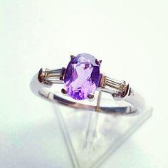 Pierwszy z Walentynkowych Pierścionków - białe złoto, hipnotyzujący, naturalny ametyst o masie 0.73ct i bagiety diamentowe o łącznej masie 0.21ct.  Do 14 lutego dostępny z 30% rabatem na naszej stronie.  First of our Valentines Rings - white gold, natural, hypnotizing amethyst and diamonds.  Till 14th of february you can buy this ring with 30 % discount on our website.  #amethyst #jewelry #sobeautiful #diamonds #amazing #fashionjewelry #engagementring #perfection #togetherforever #sayyes…