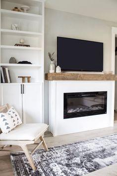 DIY Fireplace Mantel with Storage – Designed Simple - Modern Diy Fireplace Mantel, Simple Fireplace, Living Room With Fireplace, Fireplace Design, My Living Room, Small Living, Fireplace Makeovers, Simple Living Room Decor, Fireplace Remodel