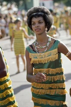 vintage everyday: Wonderful Color Photographs of The Carnival in Rio de Janeiro in 1964