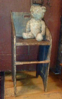 Old Primitive Bear. Primitive Furniture, Primitive Antiques, Country Primitive, Primitive Decor, Primitive Christmas, Old Teddy Bears, Antique Teddy Bears, Antique Toys, Vintage Toys
