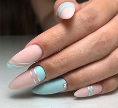 Semi-permanent varnish, false nails, patches: which manicure to choose? - My Nails Cute Acrylic Nails, Cute Nails, Pretty Nails, Classy Nails, Stylish Nails, Gray Nails, Pink Nails, Turqoise Nails, Nagel Gel