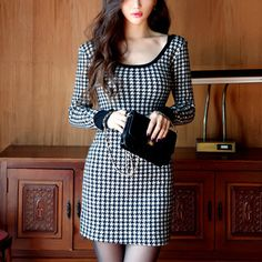There is 0 tip to buy houndstooth, office outfits. Help by posting a tip if you know where to get one of these clothes. Trendy Dresses, Sexy Dresses, Nice Dresses, Hot Outfits, Summer Outfits, Houndstooth Dress, Skirt Fashion, Fashion Clothes, Beautiful Outfits