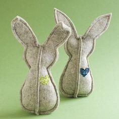 DIY: Adorable Felt Easter Bunny Tutorial