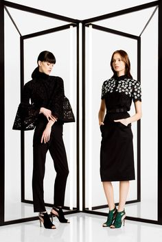 See the complete Carolina Herrera Pre-Fall 2016 collection.