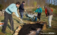 Sociabiliser et faire ensemble de manière durable…  Pour l'article complet: http://www.permaculturedesign.fr/permaculture-humaine/  #PermacultureDesign #Permaculture #PermacultureHumaine #Zone00 #PrendreSoinDeSoi #PrendreSoinDesAutres #BienEtre #DeveloppementPersonnel #Sante #SeFairePlaisir #FaireEnsemble #EcouteActive #VivreEnsemble #SeFaireDuBien #CommunicationNonViolente