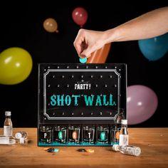 Das Party Trinkspiel mit dem Zufallsfaktor.   Verkauf durch radbag.de (Provisions-Link) Tequila, Vodka, Lets Get Drunk, Getting Drunk, Festival Games, Baby Foot, Beer Pong, Boyfriend Gifts, Rum