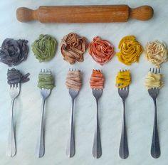 Mani in pasta Gourmet Recipes, Pasta Recipes, Pasta Company, Make Your Own Pasta, Seafood Pasta, Pasta Maker, Fresco, Puppy Food, Fresh Pasta