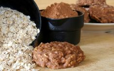 Easy Dessert Recipe: No-Bake Chocolate Oat Cookies I love cookies and i guess a lot of you all do as well. You can make these cookies without ever needing to turn the oven on Chocolate Oat Cookies, Chocolate Oats, Brunch Recipes, Sweet Recipes, Dessert Recipes, Quick Recipes, Vegan Recipes, Creative Desserts, Easy Desserts