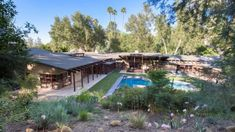 'How I Met your Mother' Star Alyson Hannigan Buys Encino Concrete-and-Timber Modern for $8M | American Luxury