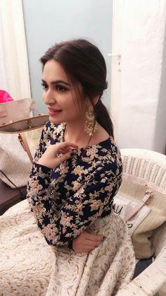 Best Trendy Outfits Part 34 Mehndi, Henna, Bollywood Actress Hot Photos, Bollywood Fashion, Bollywood Style, Indian Bollywood, Indian Attire, Indian Wear, Ethnic Fashion