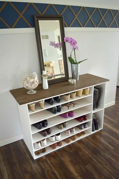 33 Nice Industrial Shoe Rack Design Ideas - The over door shoe rack is the most spacious solution for efficient shoe storage. These useful racks fit wonderfully at the back of the door making us. Over Door Shoe Rack, Shoe Rack Box, Build A Shoe Rack, Shoe Rack Closet, Diy Shoe Rack, Closet Shelves, Closet Storage, Closet Organization, Storage Shelves