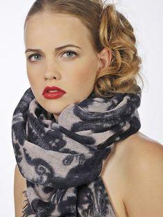 monocrome scarf