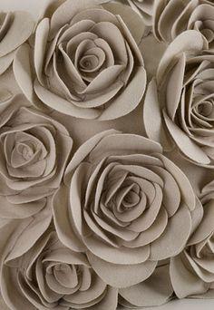 odcień szarości (w brąz/róż)