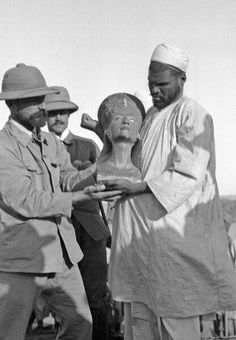 he famous bust of Nefertiti just after its discovery in the workshop of its Egyptian sculptor, 1912