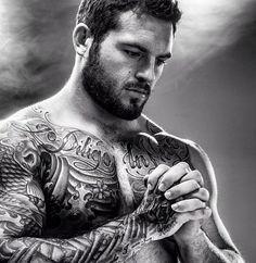 Les plus belles photos et idées de tatouages pour homme sur le torse