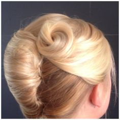 how-to-do-hair-in-a-classic-french-twist - Fab New Hairstyle 1 Put Ups Hairstyles, 2015 Hairstyles, Elegant Hairstyles, Hair Styles 2016, Medium Hair Styles, Long Hair Styles, Scene Hair, French Twist Updo, French Twists