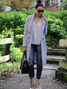 Powder Blue Coat Asos, topshop jeans, valentino navy bag, peridot london sunglasses, uk fashion blogger
