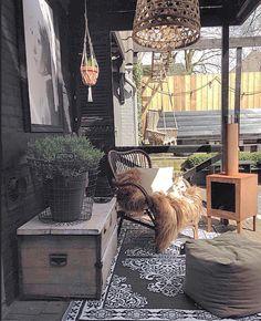 We hebben m ff gevangen hoor! Gewoon genieten We catched the sun just enjoying it! #home #myhome #garden #outside #stoer #scandic #scandicinterior #instainterior #instahome #black #vintage #interiør #interieur #instadaily #binnenkijken #homedecor #homeideas #homeinspo #interiorwarrior by ______jet