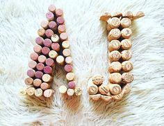 #borosdugó #esküvő #dekoráció borosdugós monogram, wine, boros esküvő, wine themed wedding decoration