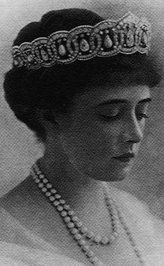 Princess Anastasia of Greece (January 20, 1873 – August 26 1923), wearing her Cartier tiara.   She was a wealthy American heiress, Nancy Stewart Worthington Leeds.  Nancy became a member of the Greek Royal Family through her third marriage, to Prince Christopher of Greece and Denmark, the youngest child of King George I of Greece and Olga, Queen of Greece.
