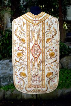 Roman Chasuble (1) - back by PLUMARIA SACRED VESTMENTS, via Flickr